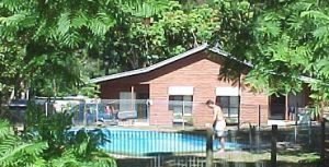 Glass House Mountains Holiday Village - Accommodation Georgetown