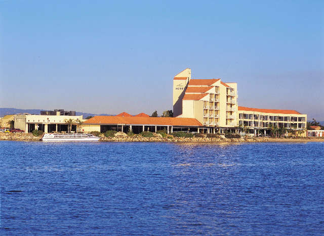 The Lakes Resort Hotel - Accommodation Georgetown