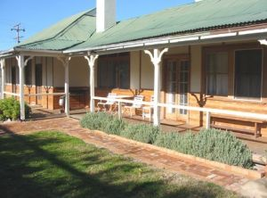 Gundagai Historic Cottages Bed and Breakfast - Accommodation Georgetown