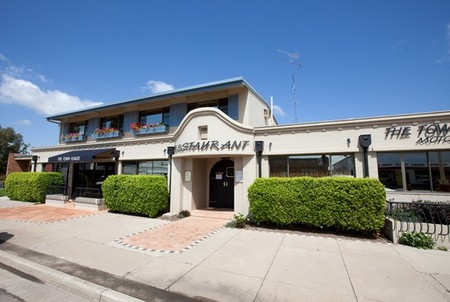 The Town House Motor Inn - Sundowner Goondiwindi - Accommodation Georgetown