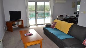 House on the Hill Port Campbell - Accommodation Georgetown