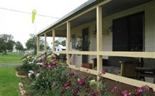 Narromine Tourist Park and Motel - Narromine - Accommodation Georgetown