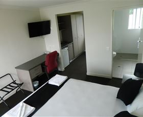 Dooleys Tavern and Motel Springsure - Accommodation Georgetown