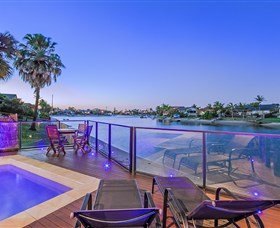 Kurrawa Cove at Vogue Holiday Homes - Accommodation Georgetown