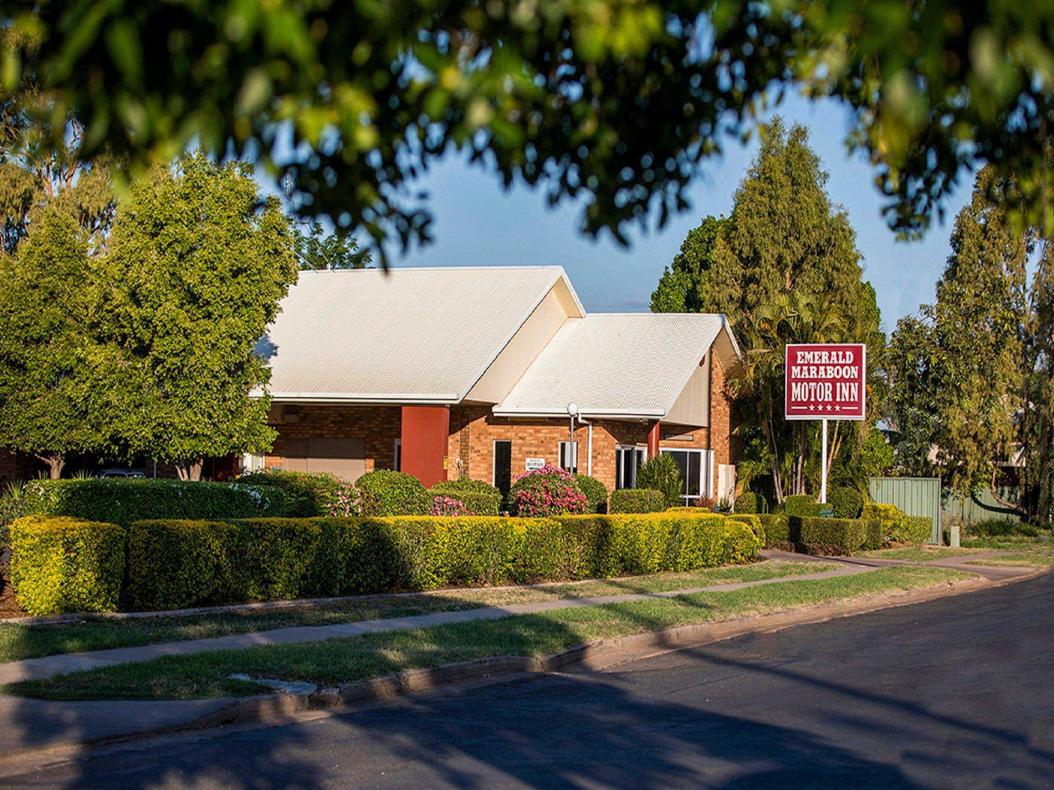 Emerald Maraboon Motor Inn - Accommodation Georgetown