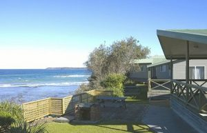Berrara Beach Holiday Chalets - Accommodation Georgetown
