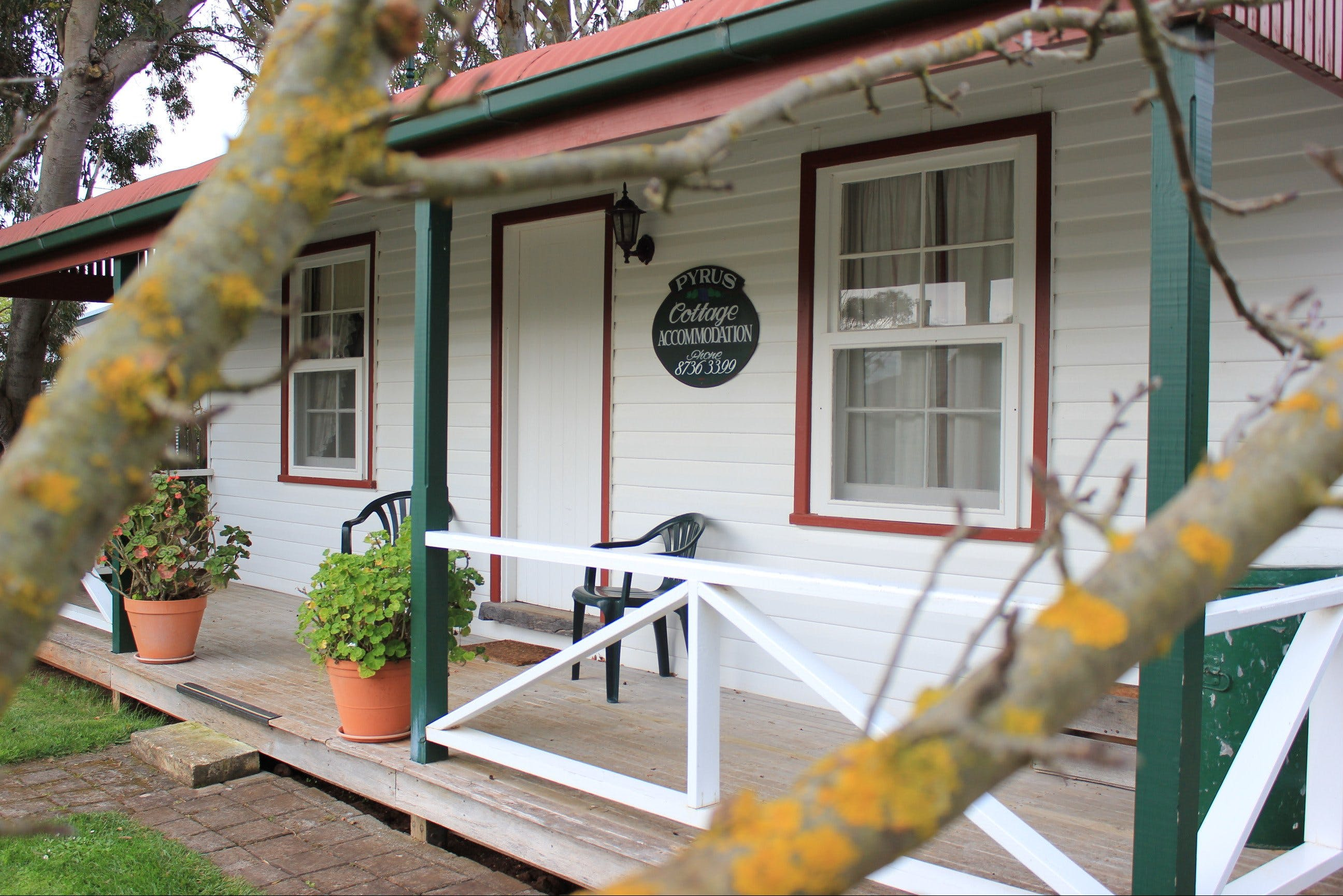 Coonawarra's Pyrus Cottage - Accommodation Georgetown