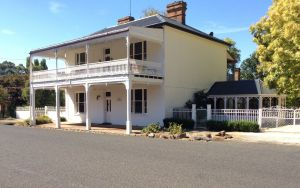 The White House Carcoar - Accommodation Georgetown