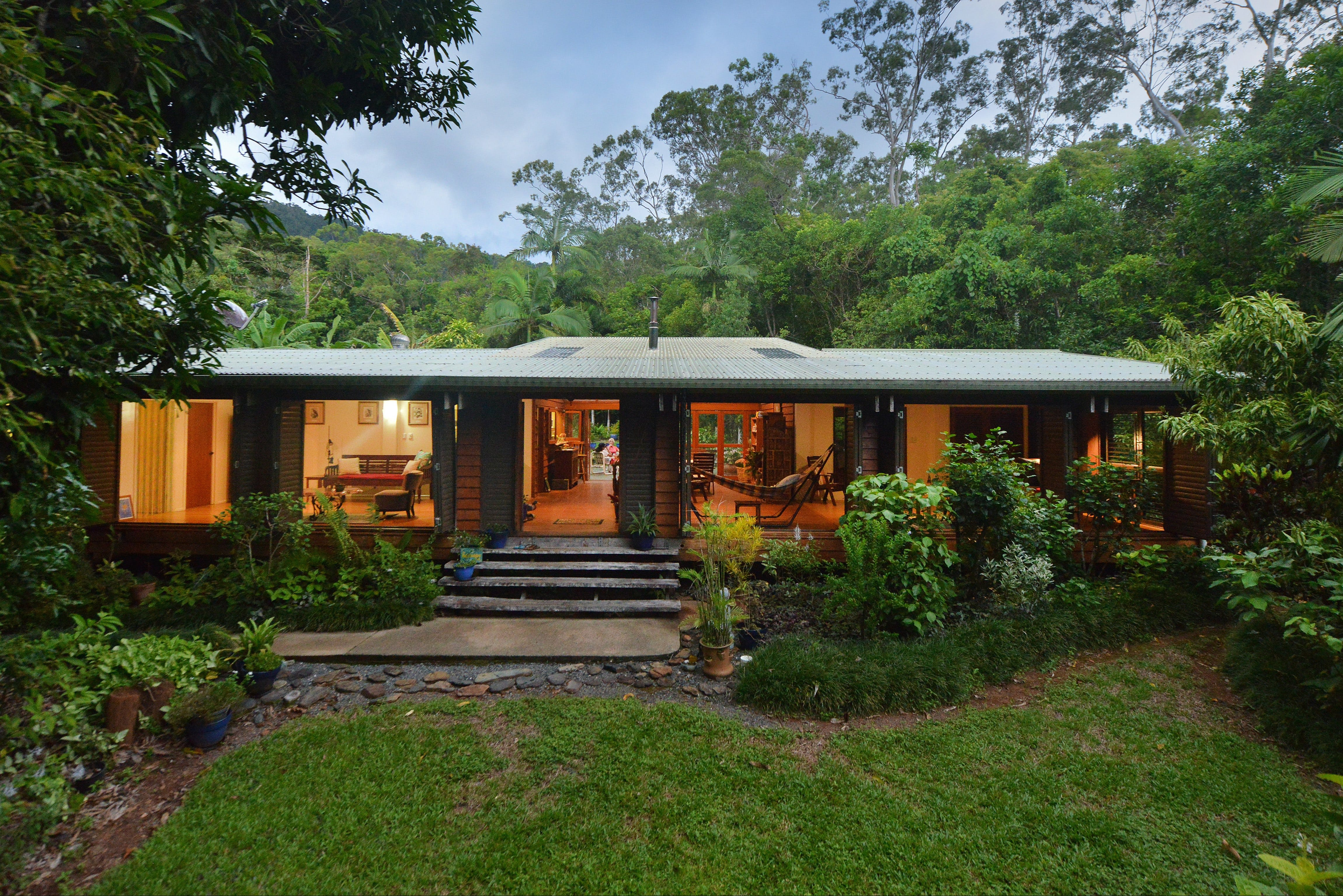 Cow Bay Homestay Bed and Breakfast - Accommodation Georgetown