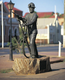 Miners Monument - Accommodation Georgetown