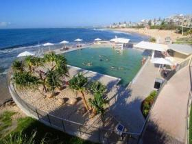 Kings Beach - Beachfront Salt Water Pool - Accommodation Georgetown