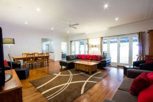 The Retreat Port Stephens - Accommodation Georgetown