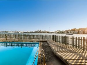 Maccallum Pool - Accommodation Georgetown