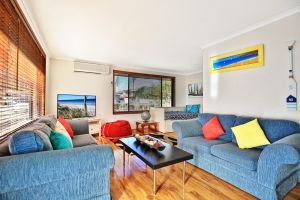 Sandy Toes Beach House Jervis Bay - 2min to Beach - Accommodation Georgetown