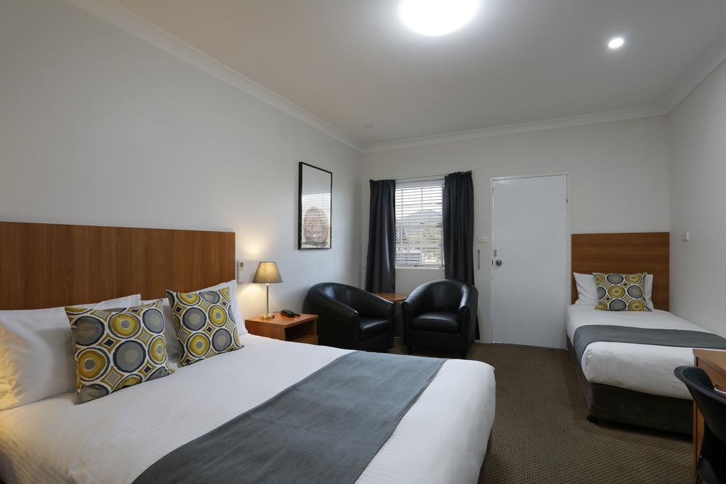 Cadman Motor Inn and Apartments - Accommodation Georgetown