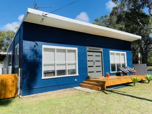 Abode Callala Beach Jervis Bay - 100m to Beach - Accommodation Georgetown