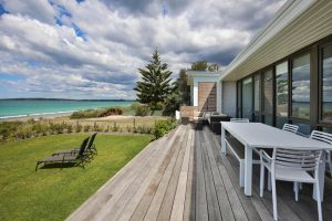 Azure Absolute Beachfront - Pet Friendly - Accommodation Georgetown